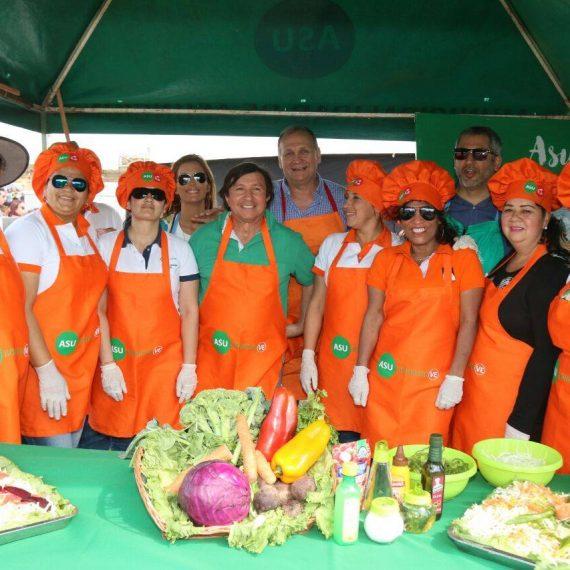 Municipalidad de Asunción con un concurrido stand en la Comilona de Teletón