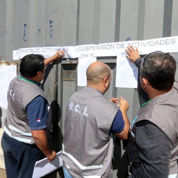 Municipalidad clausuró taller en zona del Mercado de Abasto