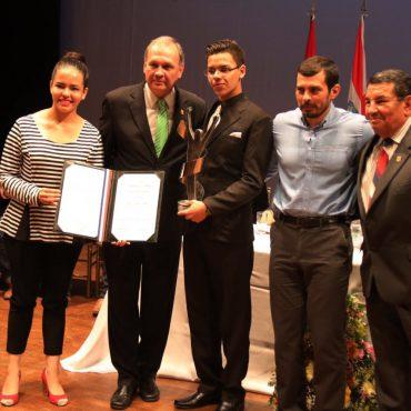 Entregaron el Premio Municipal de la Juventud de Asunción edición 2016