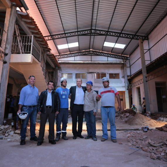 Intendente constató alto grado de avance de restauración del colegio Vicepresidente Sánchez
