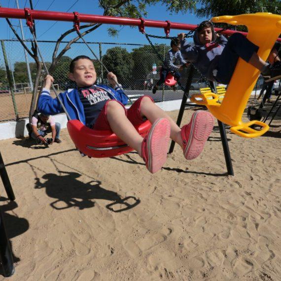 Municipalidad cumple con el primer Desafío Asu, en tiempo récord, con inauguración de Parque Infantil en 21 Proyectadas