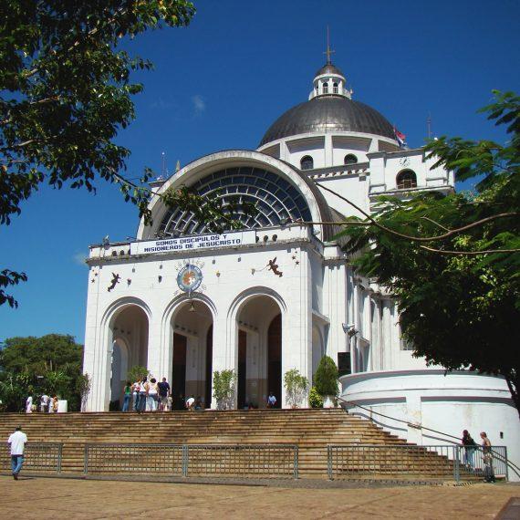 Municipalidad colabora con aseo de festividades en Caacupé