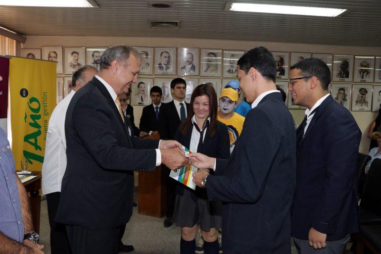 """Colegio Las Almenas y Bautista Villa Morra fueron los ganadores del concurso de ideas """"Desafío Rohayhuve"""""""