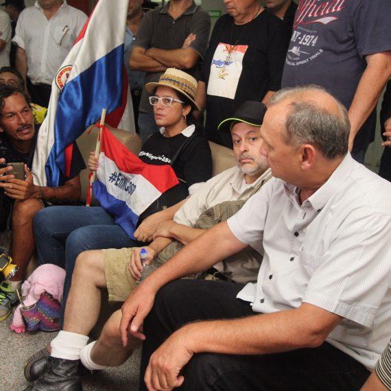 Paraguayo Cubas llegó a Asunción y acercó pedidos a la comuna capitalina