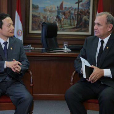 Embajador de Corea visitó al intendente Ferreiro