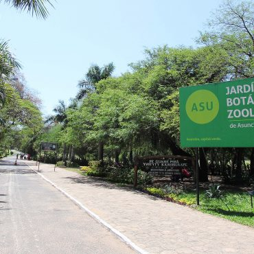 Se controlaron puestos de venta de alimentos en el Jardín Botánico