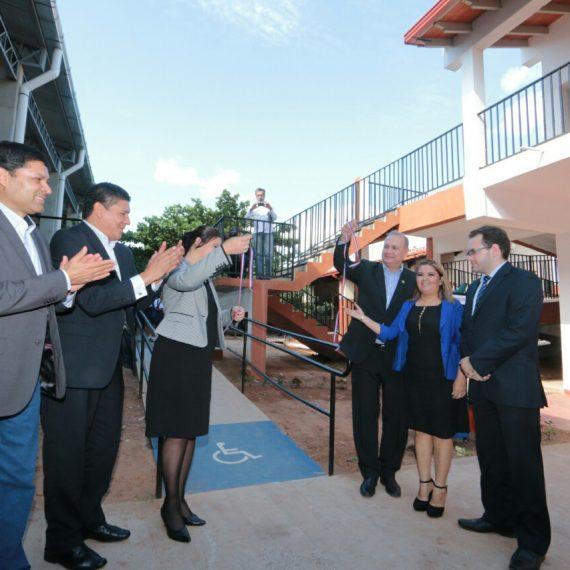 Intendente inauguró mejoras integrales en el Colegio Las Residentas