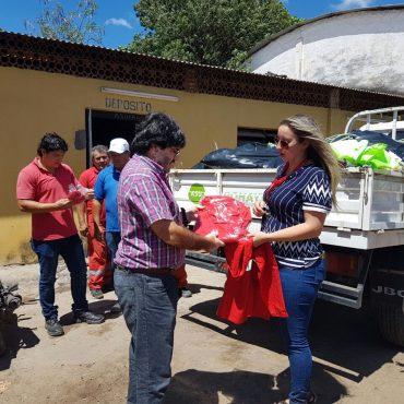 Municipalidad completó provisión de uniformes a obreros de Vialidad