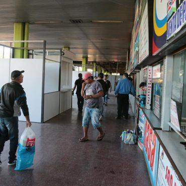 Se instalan primeras casillas provisorias para venta de pasajes