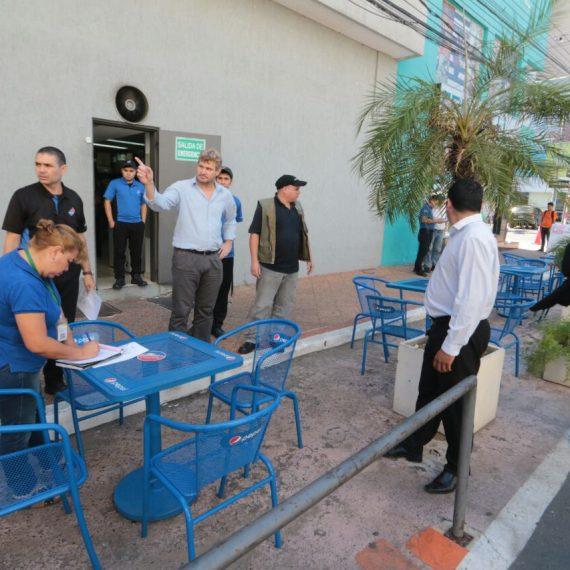 Espacios públicos ocupados incorrectamente en la calle Quesada fueron liberados