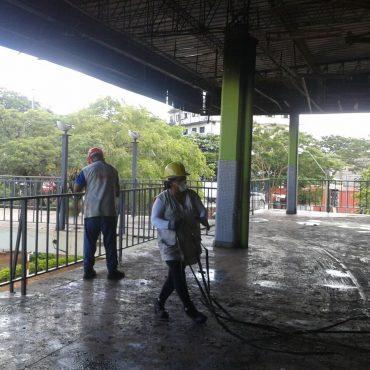 Iniciaron trabajos de recuperación de zona afectada por el incendio en la Terminal de Ómnibus de Asunción