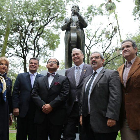"""La Plaza Uruguaya es el escenario permanente de homenaje a Agustín Pío Barrios """"Mangoré"""""""