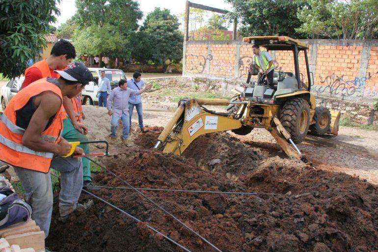 Obra de desagüe pluvial en límites de Asunción con Lambaré encauzarán los peligrosos raudales que se forman por las lluvias