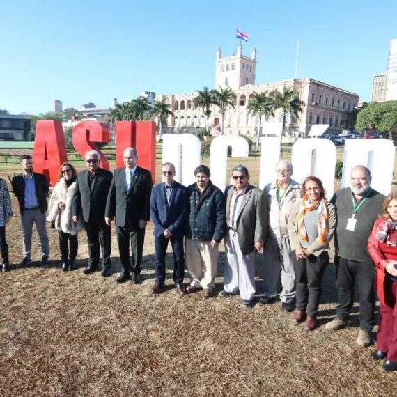 """Conjunto Escultórico con la palabra """"Asunción"""" fue inaugurado en la Costanera"""