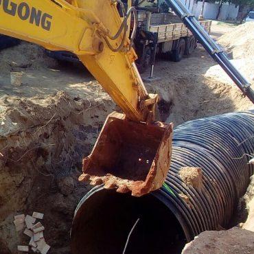 Avanza colocación de tubos del desagüe pluvial en el límite entre Asunción y Lambaré