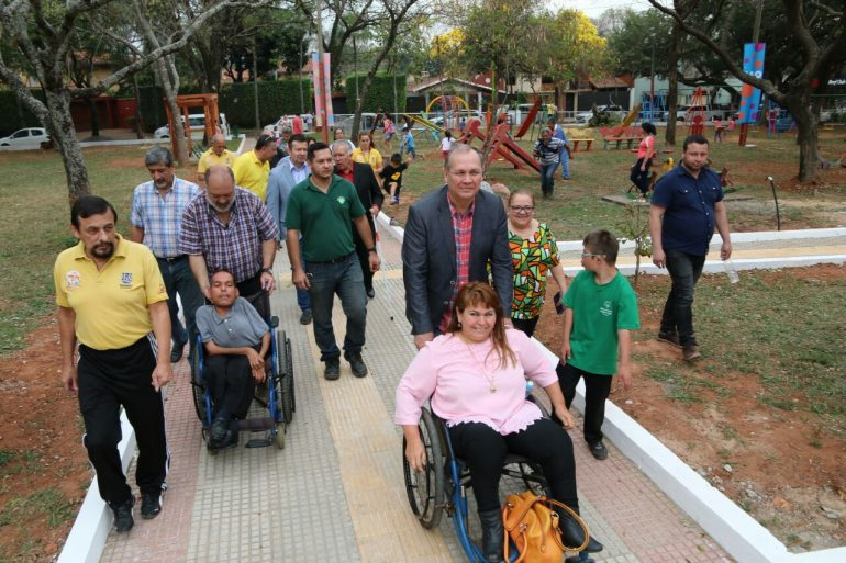 Quedó inaugurada la remodelada Plaza Pedro Juan Caballero en el barrio Mariscal Estigarribia