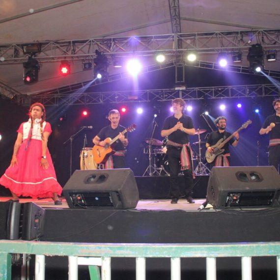 Inicio de Festejos por el cumpleaños de Asunción congregó a un multitudinario público en el microcentro