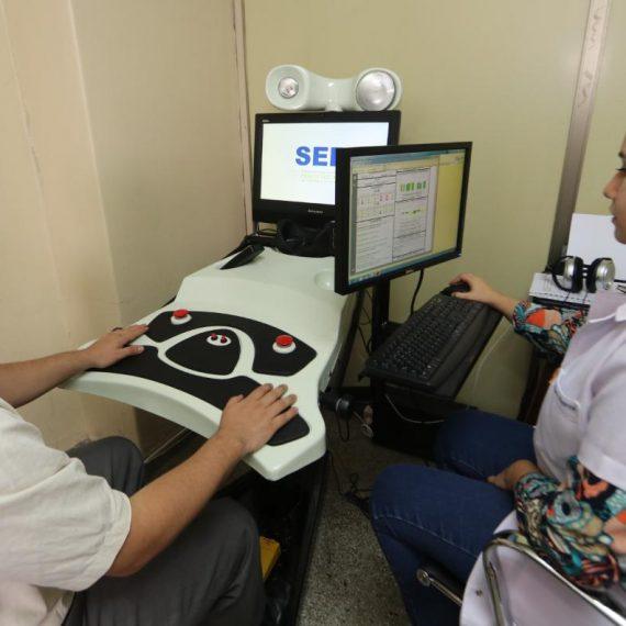 Municipalidad cuenta con nuevos equipos para exámenes psicotécnicos y de vista y oído