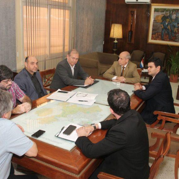 Intendente mantuvo una reunión de trabajo con el nuevo titular de la ESSAP