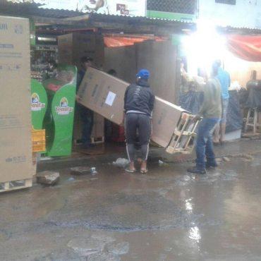 Municipalidad entregó 30 visicoolers y freezers a permisionarios de fiambrería del Mercado de Abasto