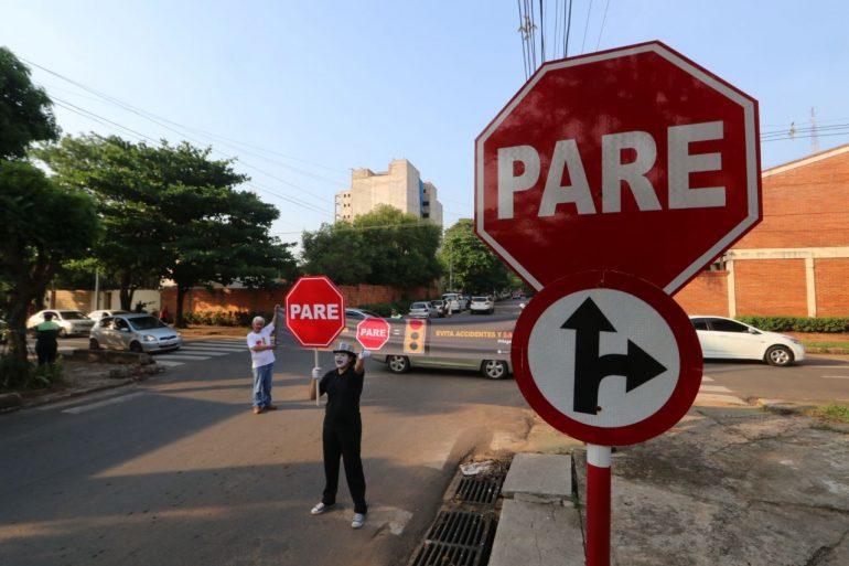 Pará un poco! sorprendió a conductores de las calles Coronel Escurra y Andrade