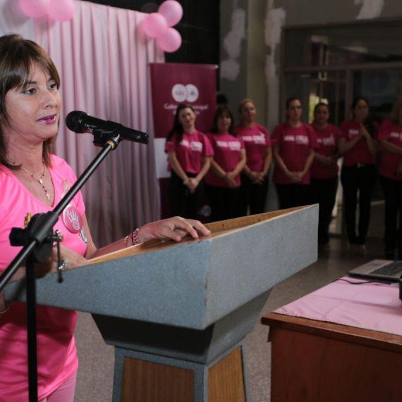 Funcionarias municipales realizaron acto de concientización en el Día Mundial de Lucha contra el Cáncer de Mama