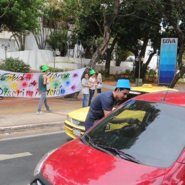Jóvenes realizaron volanteada para recordar el Día Internacional de la Tolerancia