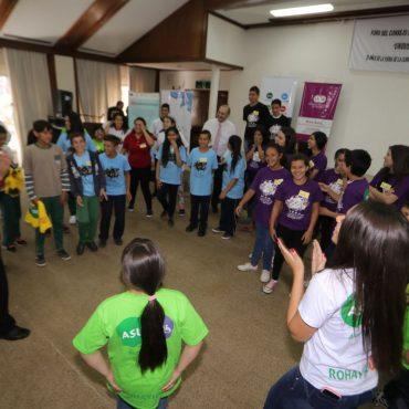 """Foro del Consejo de Niños, Niñas y Adolescentes de Asunción se realizó con el lema """"Unidos por un presente mejor"""""""