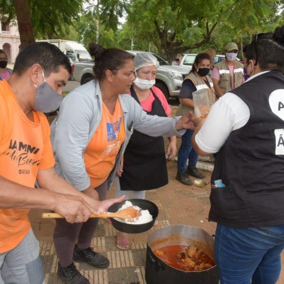 Municipalidad de Asunción brinda rápida asistencia a familias que quedaron sin hogares como consecuencia del incendio en la Chacarita